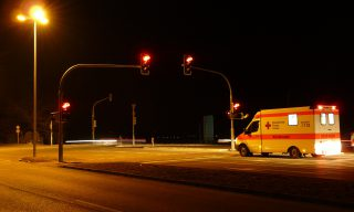 【FB熱門事件】救護車駕駛挨撞 竟遭索賠並丟了工作