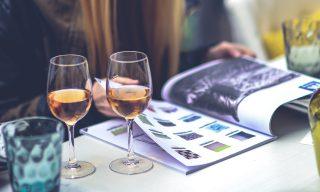 【FB熱門事件】身邊有酒鬼閨蜜嗎?研究發現女生越愛喝酒智商越高!