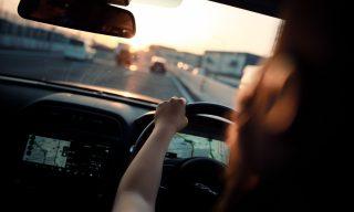 【Mobile01熱門事件】轉彎車速太快直接撞飛行人警籲:行經路口應減速