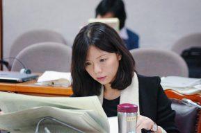 月薪12萬引爭議 「她」擔任機要顧問跌破網友眼鏡| 熱門新聞