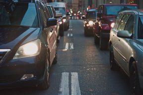 #駕駛人應守法 #代裝手機架收費事件 #雙十國慶日  | Facebook熱門事件