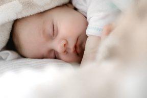 獨生子男友意外過世卻發現懷孕,小孩該不該留?   |Dcard熱門事件