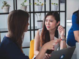 網友發文分析從事保險業者的基本特徵,精闢分析引發熱烈討論    |Dcard熱門事件