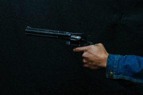 死者家屬認為警方執法過當,網友:千錯萬錯都是別人的錯| Facebook熱門事件