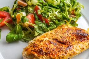 防疫在家也要滿滿蛋白質 即食雞胸肉就要這一味!