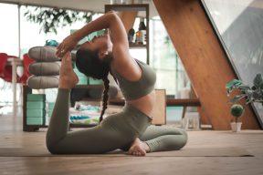 在家就能做瑜珈!網友熱議的經典瑜珈動作練起來!