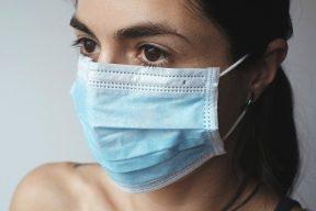 口罩禁令逐步放寬 上山下海口罩「微解封」