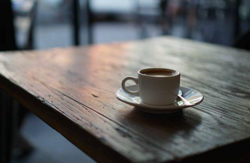 【Dcard熱門事件】咖啡館分享文上熱門?原來是「小英同學」來發文