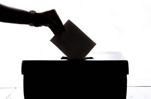 【PTT熱門事件】2020大選迎來118萬名首投族!子瑜是否投票引關注