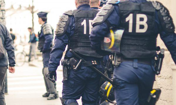 【PTT熱門事件】員警開槍仍得面臨司法壓力歷經一年調查確定不起訴