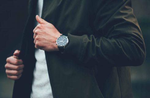 【Mobile01熱門事件】館長推出特製手錶 一支近四萬引發網路熱議