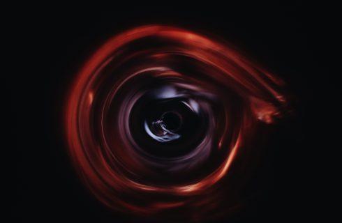 【PTT熱門事件】黑洞照片首曝光 鄉民發揮想像力直呼早看過了