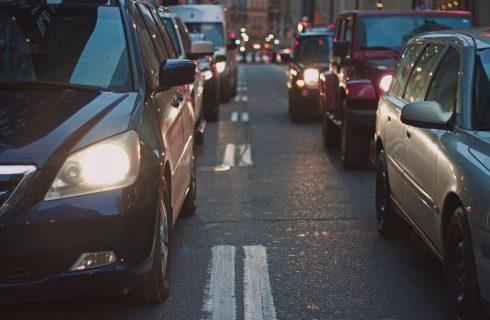 【Mobile01熱門事件】檢舉魔人越來越多 到底該不該限縮民眾檢舉交通違規?