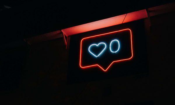 【Facebook熱門事件】國民黨FB批蔡政府 意外因零美感文宣引熱議