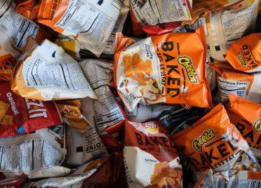 聯名大亂鬥!分析獵奇口味聯名零食話題及好評關鍵